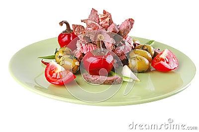 Rebanadas de la carne de la carne de vaca en verde
