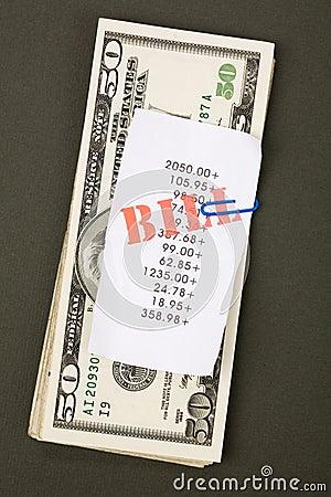 Rechnungen und Dollar