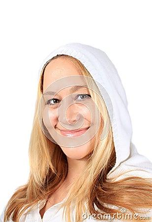 Recht blonde Frau in ihren Vierzigern