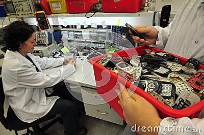 Reciclaje del teléfono móvil Imagen editorial