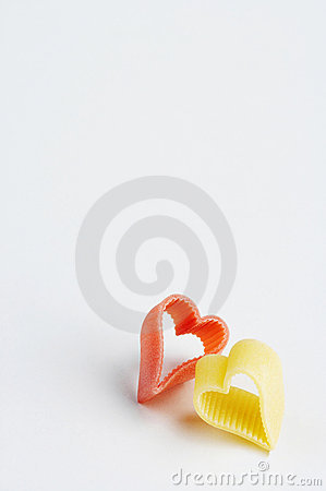 Free Red An Yellow Heartshaped Noodle - Rote Und Gelbe Herzfoermige Nu Stock Image - 448041
