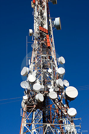 Free Red And White Telecom Mast Royalty Free Stock Photos - 11259018