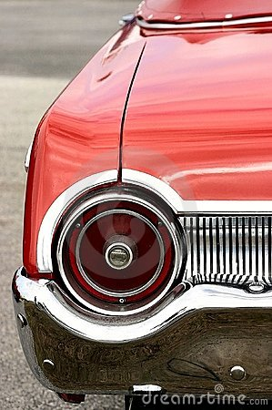 Free Red Antique Convertible Automobile Round Tail Light Royalty Free Stock Photography - 158437