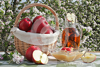Red apples, applesauce and apple juice