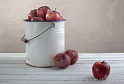 Red apples bucket horizontal