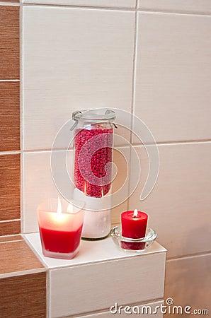 Red bathroom decorations