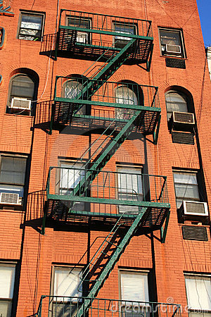 Free Red Bricks And Fire Escape In New York Royalty Free Stock Photography - 5040307