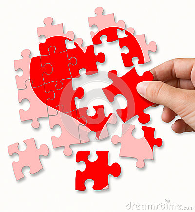 Free Red Broken Heart Made By Puzzle Pieces Stock Photo - 49770090