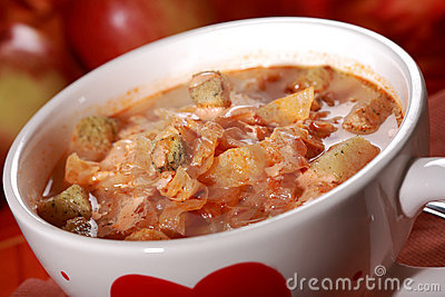 Red cabbage soup (sauerkraut)