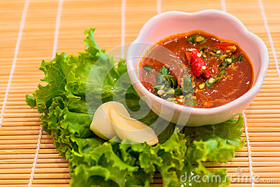 Red chili and garlic sauce