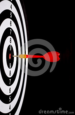 Free Red Dart Arrow Hitting In The Target Center Of Dartboard Royalty Free Stock Photography - 69572147