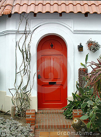 Free Red Door Stock Photos - 654403