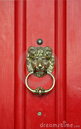 Free Red Door Royalty Free Stock Image - 994426