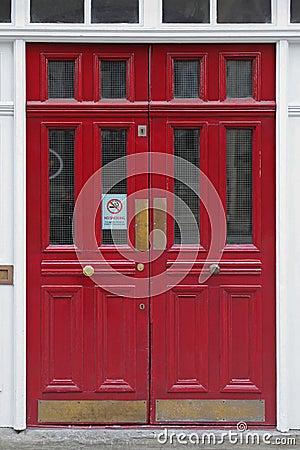 Free Red Doors Royalty Free Stock Photos - 77165718