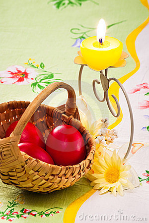 Free Red Eggs And Candle Royalty Free Stock Images - 24013139