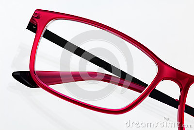how to read eyeglass frame size