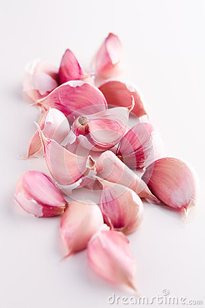 Red garlic cloves