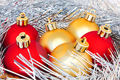 Red and gold balls