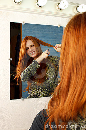 Red head cut hair mirror