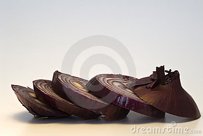 Red onion cutted in slices