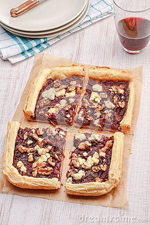 Free Red Onion Tart Royalty Free Stock Image - 38990836