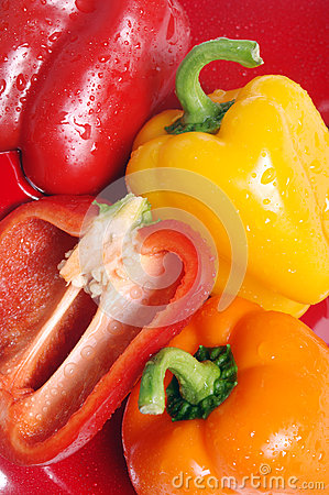 Free Red Orange And Yellow Peppers Royalty Free Stock Image - 28074966