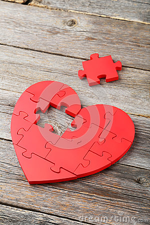 Free Red Puzzle Heart Stock Image - 55672111