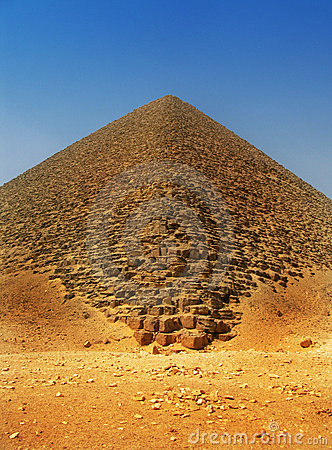 Red pyramid of Sneferu at Dahshur, Cairo, Egypt