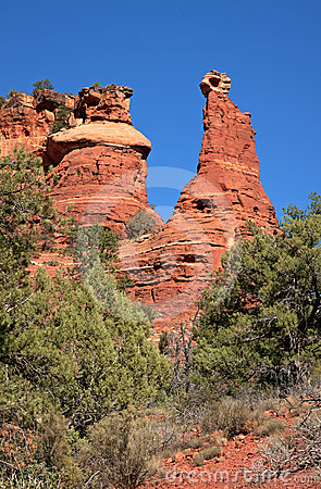 Red rock peaks tower in the desert near Sedona.