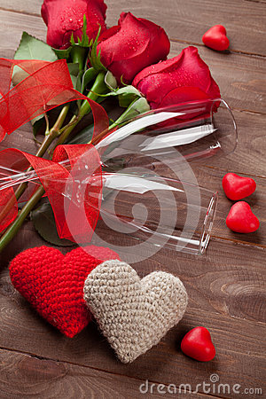 Free Red Roses, Hearts And Champagne Glasses Royalty Free Stock Photo - 65566555