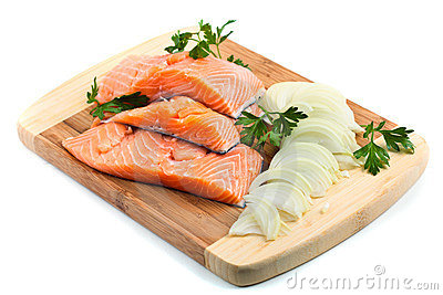 Red salmon fillets with condiments