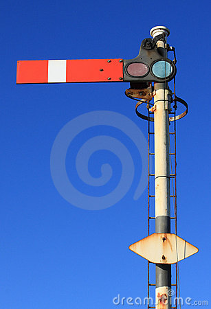 Free Red Semaphore Railway Signal At Stop (portrait) Royalty Free Stock Photography - 21934897
