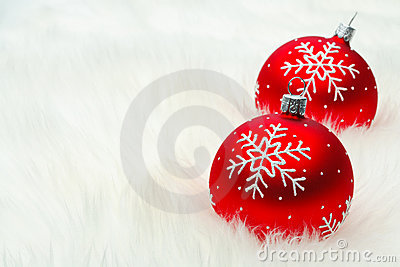 Red snow flake bauble