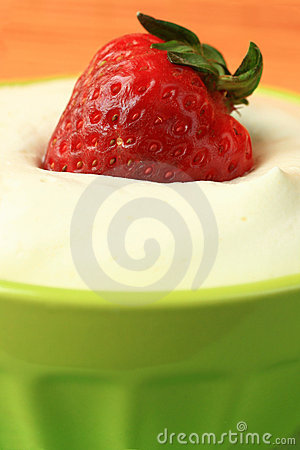 Free Red Strawberry Royalty Free Stock Photography - 2204827