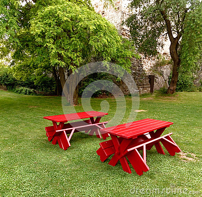 Free Red Tables And Benches Royalty Free Stock Images - 35359939