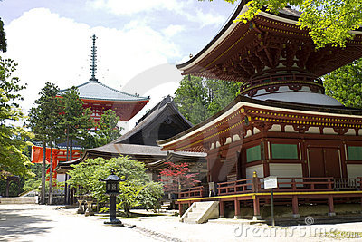 Red Temple and associated structure on Mount Kōya