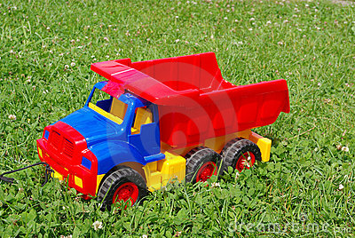 Red toy lorry