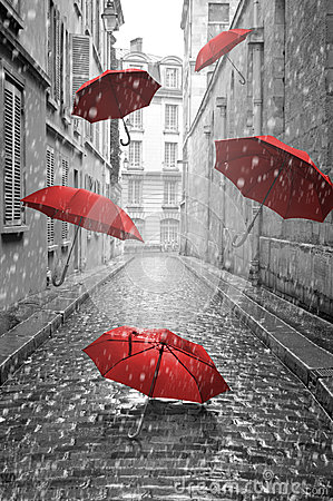Free Red Umbrellas Flying On The Street. Conceptual Image Royalty Free Stock Images - 41654049