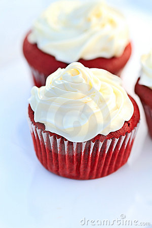 Free Red Velvet Cupcake Royalty Free Stock Photos - 14045408