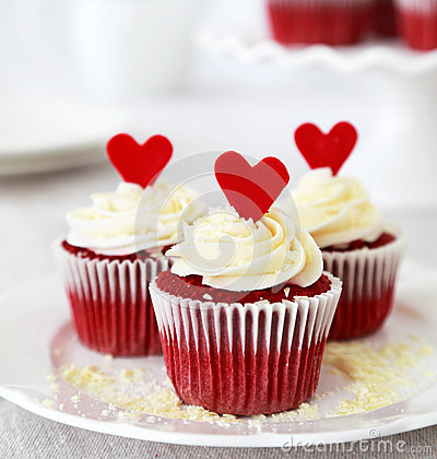 Free Red Velvet Cupcakes Stock Image - 35630441