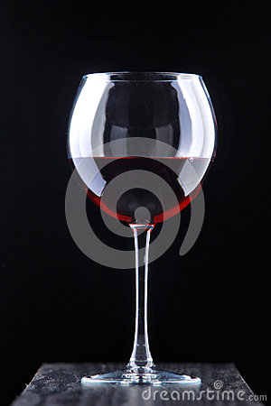 Free Red Vine In The Glass Royalty Free Stock Photo - 53399235