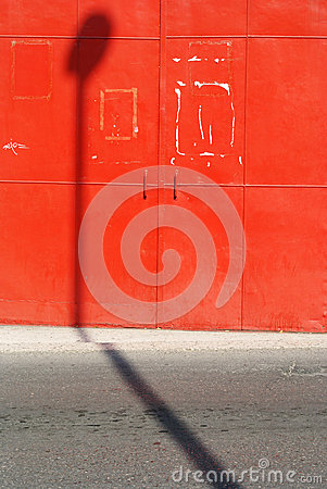 Red wall, urban space