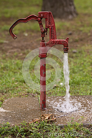 Free Red Water Spout Stock Images - 95581704