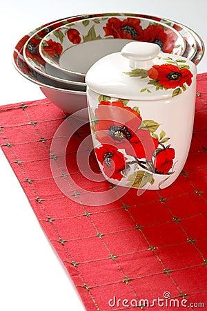 Red&white dishware