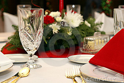 Red, White, Gold Table Setting