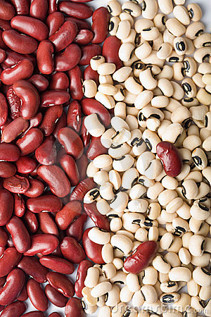 Red and white haricot beans