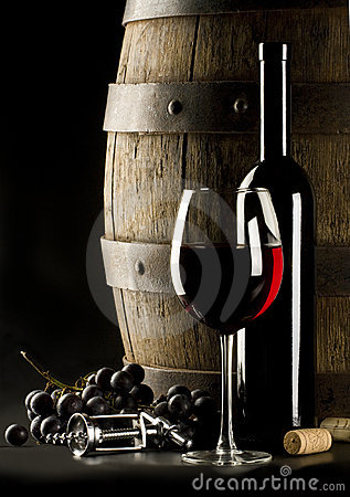 Free Red Wine Royalty Free Stock Image - 9754476
