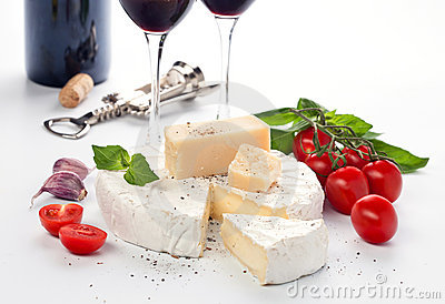 Red wine and assortment of cheese