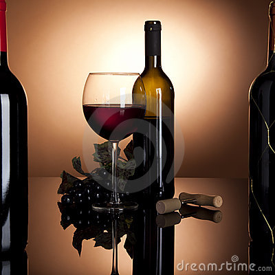 Free Red Wine Bottle, Glass And Grapes Stock Image - 13568691