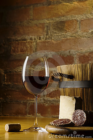 Free Red Wine Glass In Rural Kitchen Stock Photos - 4747173